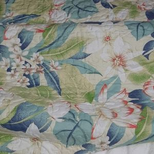 Quilter collection bedspread and 2 pillow shams